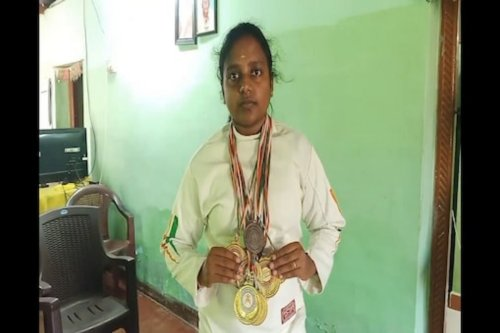 Denied Opportunity from Kerala, Tamil Nadu Fencer Seeks Govt Aid Who is Hit by Poverty