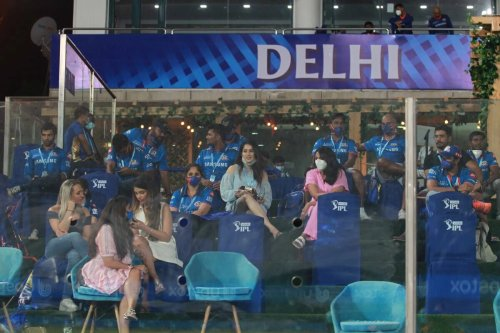 Mumbai Indians Reveal Travel Plans: Chartered Flights Arranged, Management to Remain in Delhi Till All Members Reach Their Destination