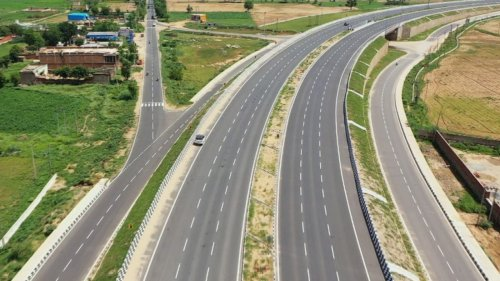 Delhi-Mumbai 1200 Km Green Highway to Cut Travel Time by At Least 8 Hours