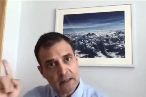 Photograph of Himalayas Photobombed Rahul Gandhi's Twitter Live. Here's Who Clicked It