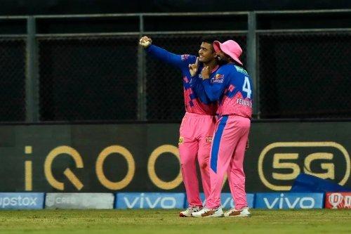 Khatam, Tata, Bye-Bye: Riyan Parag's Hilarious Tweet on IPL 2021 Invites a Meme Fest on Twitter
