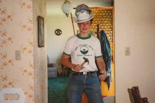 Elon Musk's Old Photo From When He Was 17 Proves Tesla CEO Has Always Been 'Different'