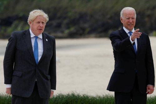 Joe Biden Gifts Boris Johnson Custom-Made $6,000 Bike, UK PM Gives a Photo Printed From Wikipedia