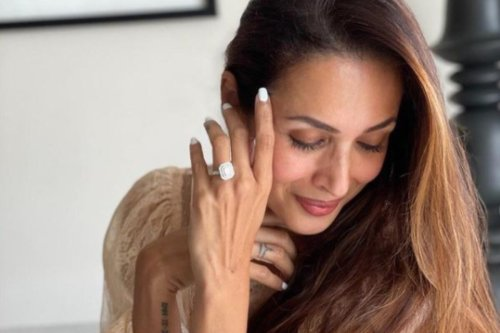 Malaika Arora Poses With Enormous Engagement Ring, Fans Tag Arjun Kapoor