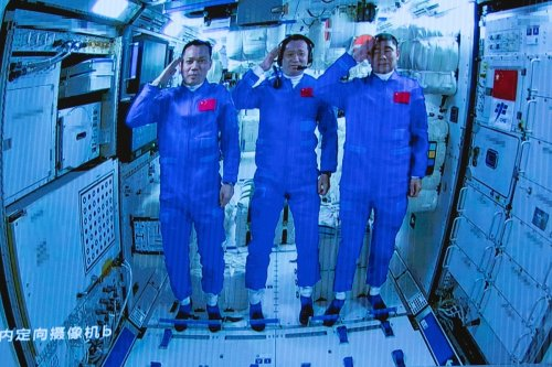 Sichuan Dishes, Shredded Pork: Astronaut Trio Can Savour Over 100 Dishes at Chinese Space Station