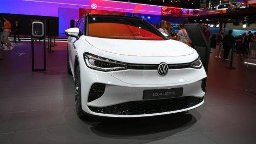 VW-Vorstand im neuen ID. 4 GTX – alle achten nur auf DIESES Detail