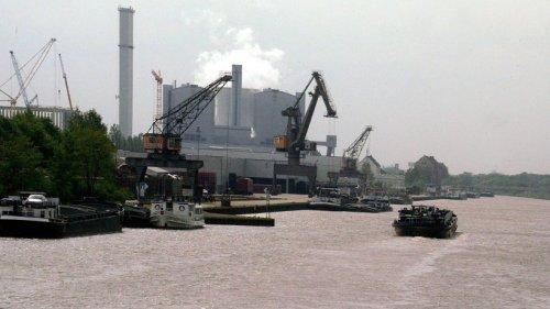 Hannover: Schiff mit ungewöhnlicher Ladung bricht auf