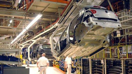 VW: Stammwerk unter Druck! Eine Sache treibt viele Mitarbeiter in der Golf-Fertigung um