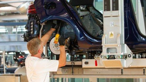VW: Produktion in Wolfsburg läuft wieder ein – Tochter kämpft mit Problemen