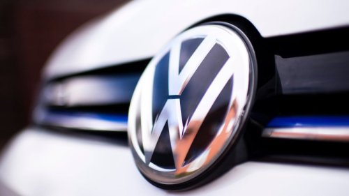 VW: Manager müssen bis Ende 2022 Verbrenner fahren – der Grund