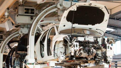 VW: Wolfsburger Werk fast komplett still! Düstere Kurzarbeit-Prognose für Oktober