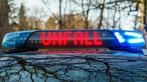 Hannover: Heftige Kettenreaktion! Drei Autos kollidieren auf Bundesstraße