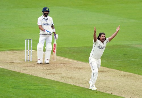 Virat Kohli digs in as India and New Zealand vie for upper hand at Ageas Bowl