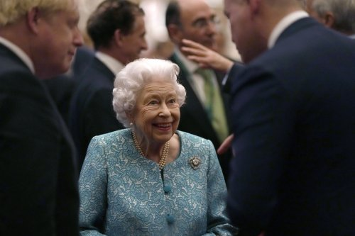 Queen cancels Northern Ireland trip after being told by doctors to rest