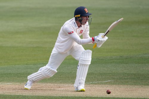 Dan Lawrence leads Essex onslaught against Derbyshire
