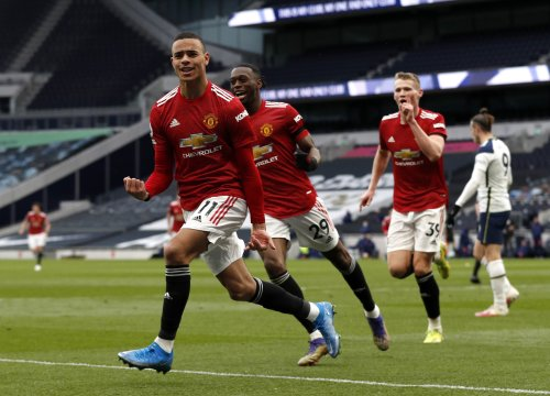 Manchester United hit back against Spurs to turn up heat on Jose Mourinho