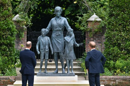 William and Kate host postponed reception to mark unveiling of Diana statue