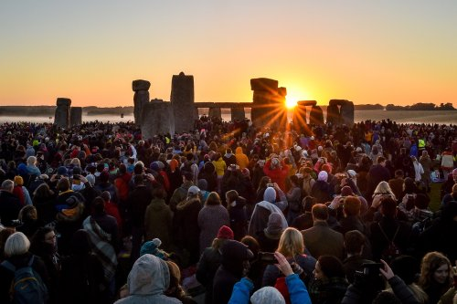 Stonehenge summer solstice sunrise set to be mired in cloud and rain