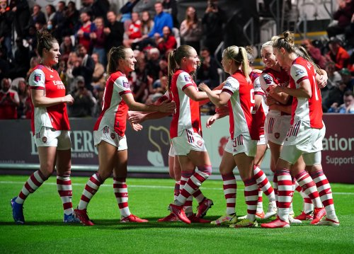 Kim Little brace helps Arsenal hammer Manchester City to go top of WSL table
