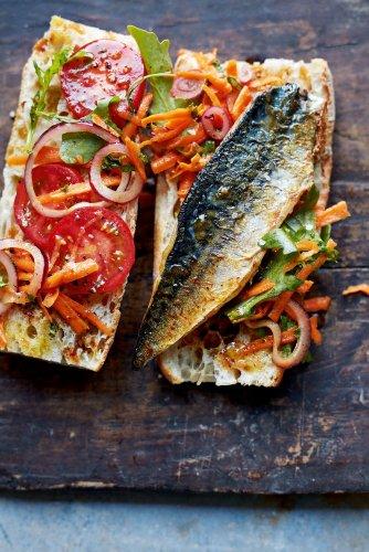 Istanbul's famous mackerel sandwiches recipe