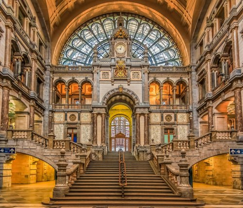 10 extraordinary train stations to travel through before you die