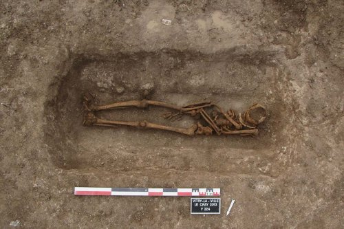 Europeans used to open their relatives' graves to recover heirlooms