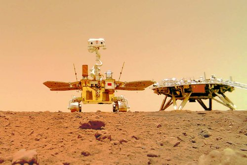 China's Zhurong Mars rover took a group selfie with its lander
