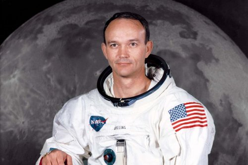 Michael Collins: Apollo 11 pilot and 'loneliest man ever' dies aged 90
