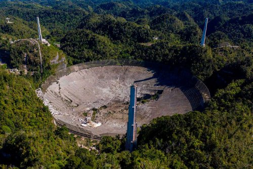 Arecibo Observatory telescope in Puerto Rico collapses after 57 years
