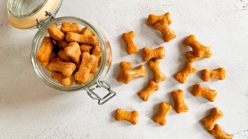 Bake your own dog treats with this easy recipe