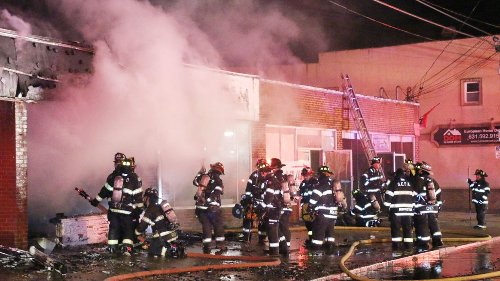Officials: Early-morning fire breaks out in Lindenhurst