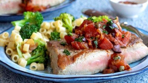 Seared tuna recipe with Italian puttanesca sauce