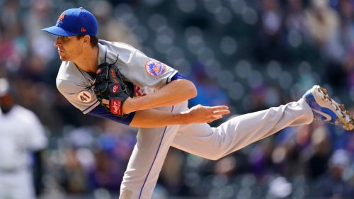 DeGrom strikes out nine in a row and Mets rally in split with Rockies