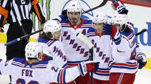 Zibanejad's late goal gives Rangers fourth straight win over Devils