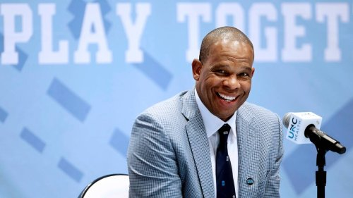 Hubert Davis receives final approval of coaching contract by UNC