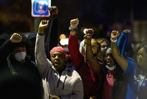 Protests Erupt In Minnesota After Police Fatally Shoot 20-Year-Old Black Man Over Alleged Air Freshener Violation