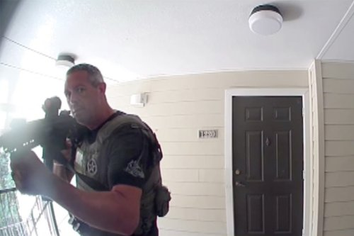 Florida Woman Says U.S. Marshals Pointed Guns At Her, Baby Daughter While Raiding Wrong Apartment