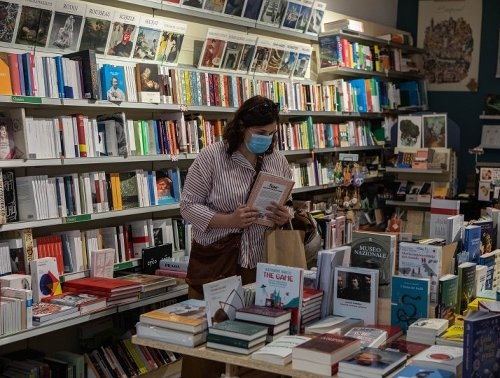 """""""It was emotional"""": booksellers celebrate the reopening of bookshops"""
