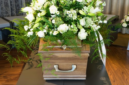 Funeral worker reveals exactly what's left behind after a cremation