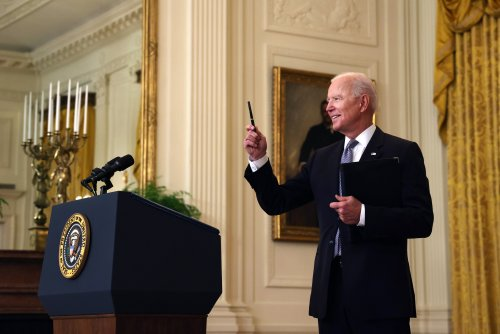 Joe Biden says U.S. won't follow Russia, China and curry others' favor in sharing COVID vaccine