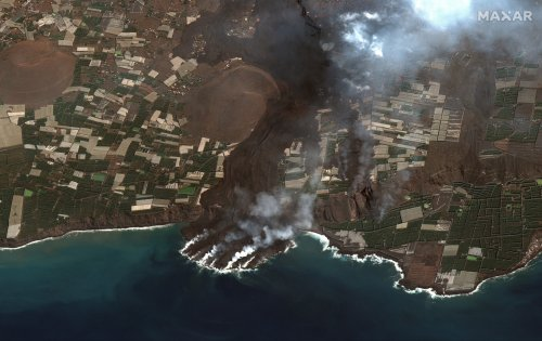 Moment lava from La Palma volcano meets the ocean captured in incredible satellite images