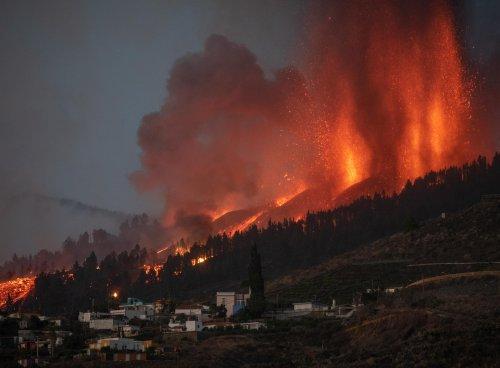 Spanish volcanic eruption won't cause mega-tsunami in U.S., officials Say