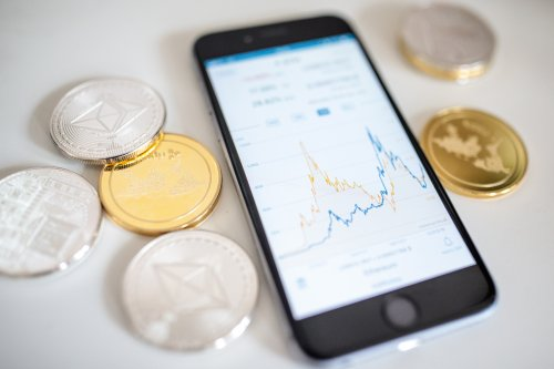 SafeMoon crypto raises $700,000 for new exchange with sights on $1m