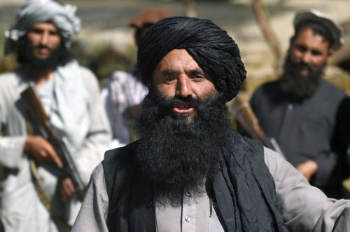 """Dozens of Afghan English teachers living in fear as they hide from Taliban: """"We will die"""""""