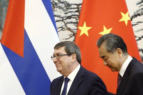 China backs Cuba in saying US should apply sanctions to itself