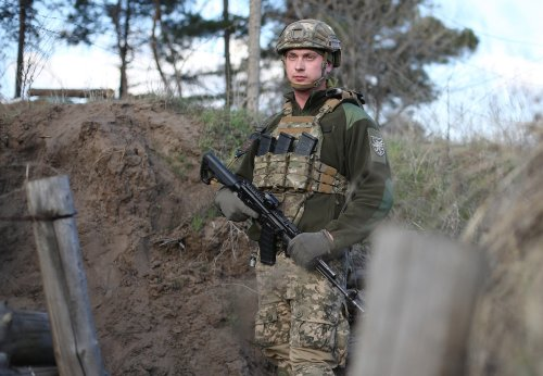 """Ukraine's troops """"ready"""" for Russian assault as tensions rise amid envoy arrest"""
