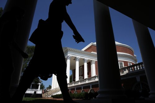 Virginia school cancels classes as nearly 500 student COVID-19 cases reported in a week