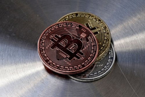 Bitcoin more likely to reach $100k in 2021 than dip to $20k, Bloomberg analyst says