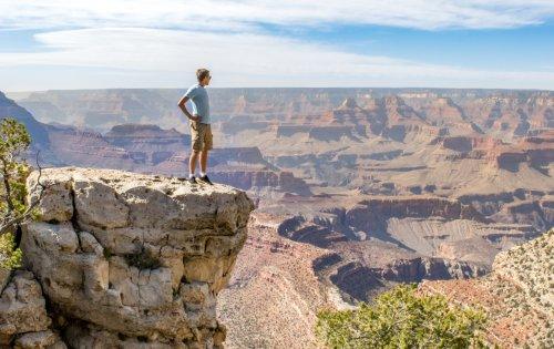 Man witnessed hitting baseball into Grand Canyon