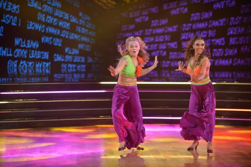 Fans react to JoJo Siwa and Jenna Johnson's debut on 'Dancing With the Stars'